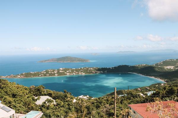 Blick auf die Magens Bay auf St. Thomas