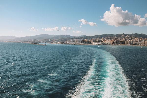 Auslaufen aus Genua