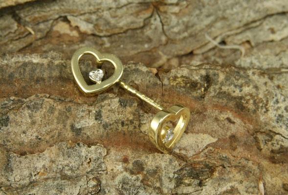 Ohrstecker Gold, Herz mit Diamant