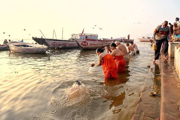 Morgentoilette am Ganges