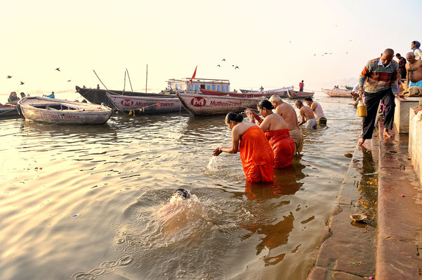 Morgentoilette am Ganges