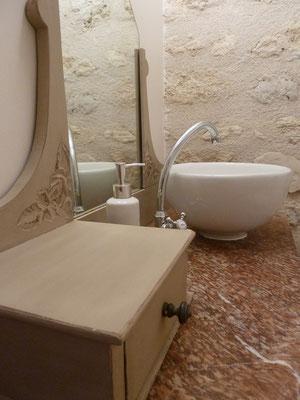 espace toilettes au RDC