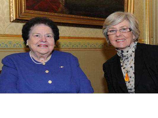 Pat Keill OAM (left) with guest at the 'Friends of the Commonwealth' reception