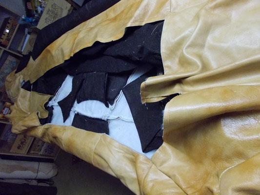 Canapé cuir démonté , coupe, couture et montage
