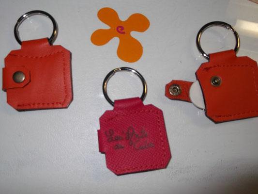 porte clefs porte jeton cuir