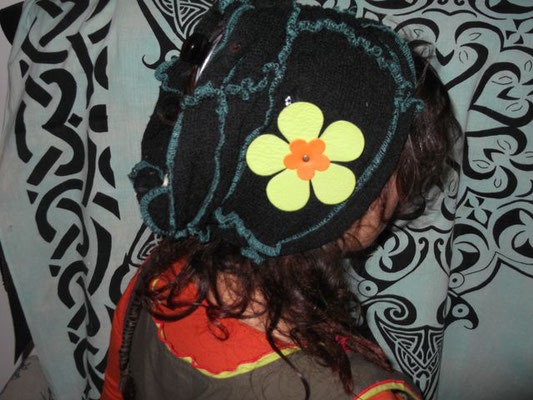 Broche grosse épingle fleurs cuir