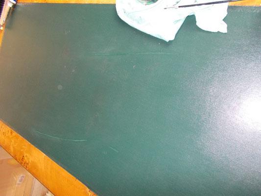 Rénovation d'un tapis de bureau teinte et cire