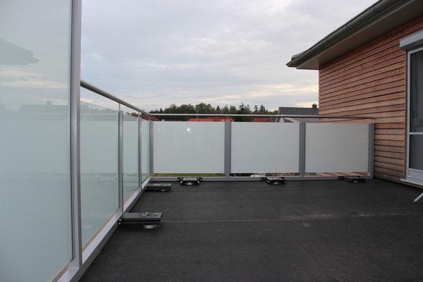 galerie beftec dichtes befestigungssystem f r gel nder ganzglas solar. Black Bedroom Furniture Sets. Home Design Ideas