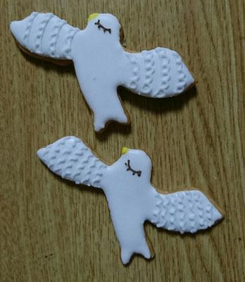 1個¥280 翼から翼まで約8cm  色の変更できます イニシャル入れられます 1個からオーダーできます