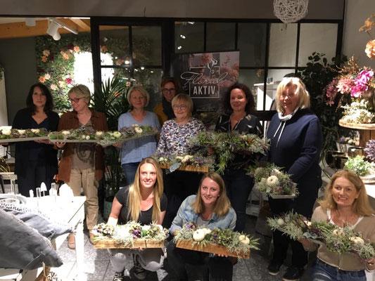 Workshopteilnehmer Blumenhandel, Adventskranz binden in Bornheim