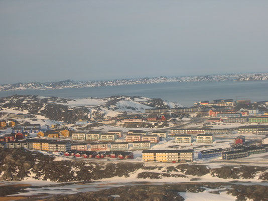 グリーンランドの中心地ヌーク           2005年3月 松村一氏撮影