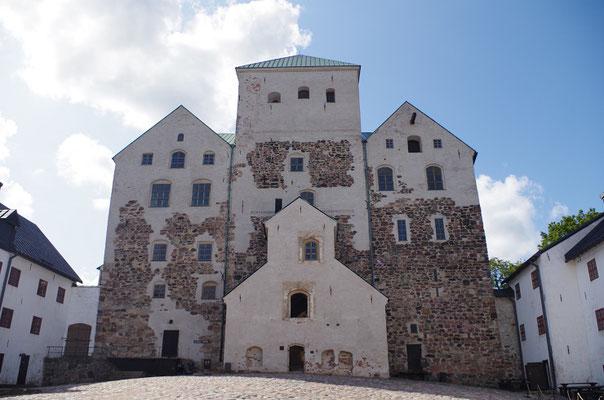 トゥルク城    2019年8月 松村一氏撮影        トゥルクに残る中世期の城