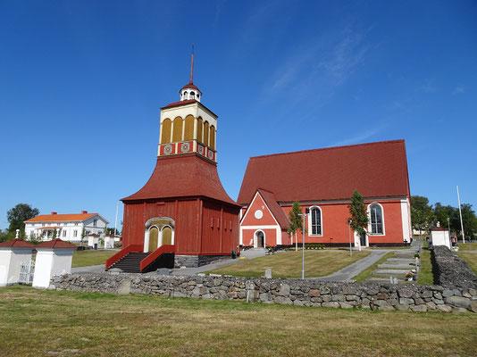 カリックス教会   2019年8月 松村一氏撮影   中世期の教会としてはスウェーデン最北に位置する教会