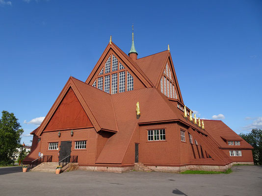 キールナ教会    2019年8月 松村一氏撮影   スウェーデン北部の鉄鉱山の町キールナにある教会