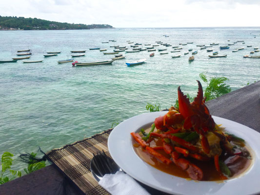 Lembongan - Crab With Boats