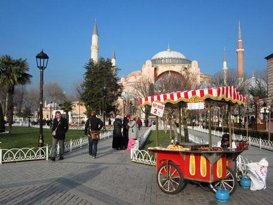 Die Hagia Sophia thront seit mehr als 1500 Jahren über Istanbul.