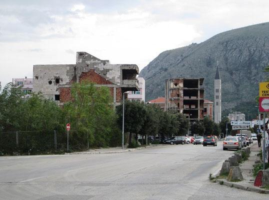 Der Boulevar war Hauptkriegsplatz. Hier hat kein Gebäude den Krieg überstanden.