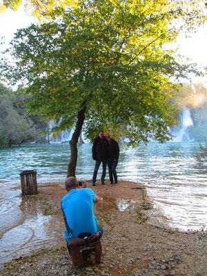 Papa und Ann-Katrin an den Kravice Wasserfällen