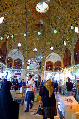 Der Bazar beeindruckt uns aber am meisten.