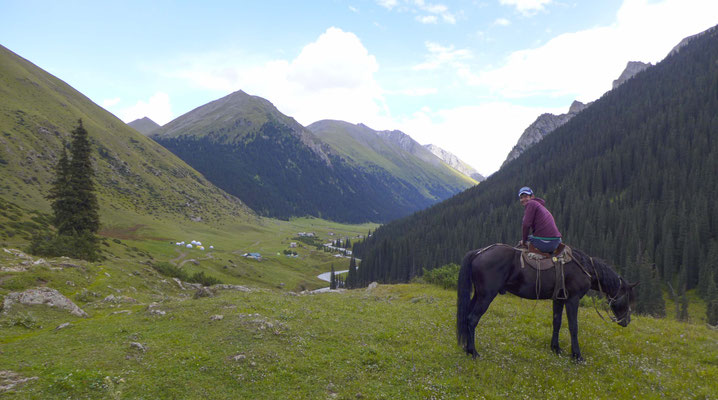 We reached the Valley after 7h at the back of the horses.