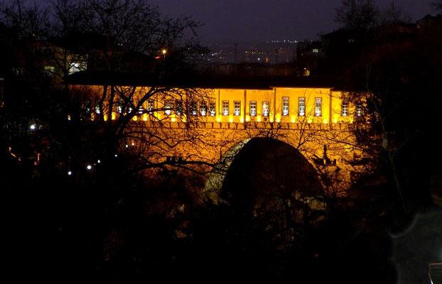 Die Irgandi-Brücke in Bursa.