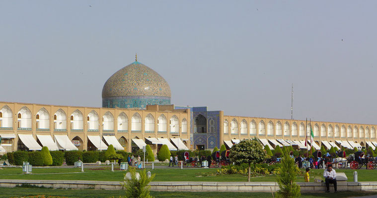 Isfahan gilt als die schönste Stadt im Iran. (Meidân-e Imam mit der Kuppel der Königsmoschee)