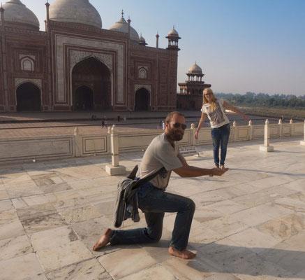 Unser Führer liebt die klassischen Touristen Foto's...