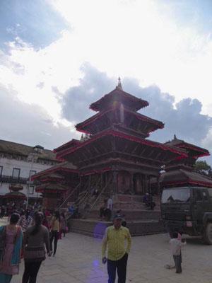 Wieder aufgebauter Tempel auf dem Durbar Square Kathmandu.