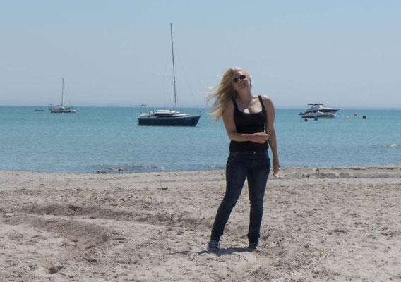 Und der Strand ist schon irgendwie schöner ohne Kopftuch ;-)