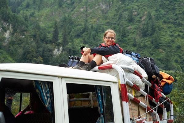 Abenteuer! Mr. Mo und Falko mussten sich auf dem Jeep Dach gut festhalten!