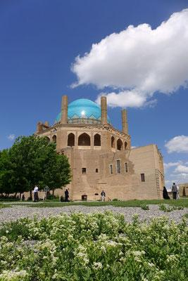 Soltanije. Das noch bestehende Mausoleum des Mongolenherrschers beeindruckt