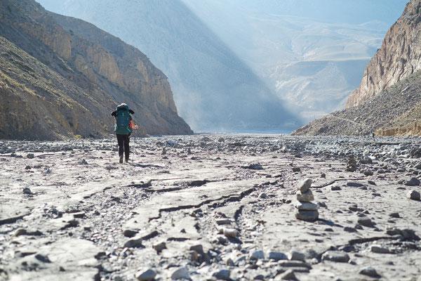 Der Weg nach Jomson führt durch eines der ältesten und tiefsten Täler der Welt.
