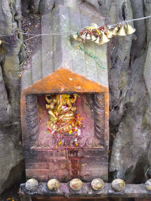 At this little shrine women pray for healty children.