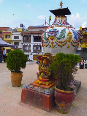 Hauptsächlich buddhistisch, aber auch für Hindu ein heiliger Ort.