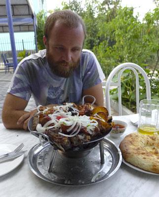 Sorry Iran, wir hatten eine großartige Zeit, aber ab uns zu Schweinefleisch, Wein und Bier genießen wir auch.