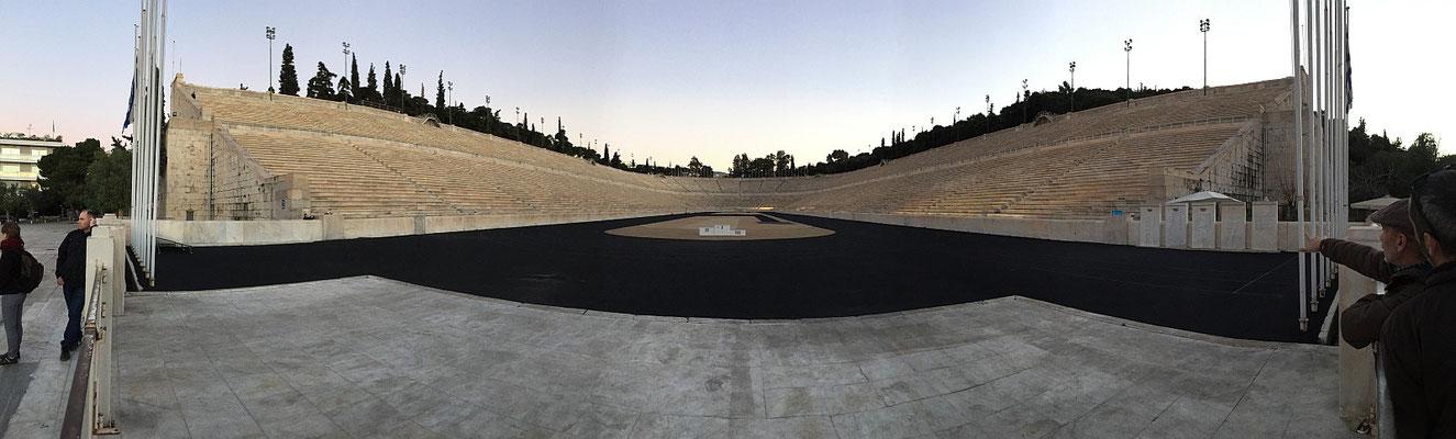 Das Olympiastadion von 1896. Ein antikes Bauwerk wiederbelebt zu den ersten modernen Olympischen Spielen.