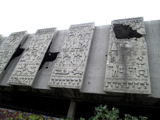 Aber auch an anderen Stellen können die Gebäude nicht mehr genutzt werden.