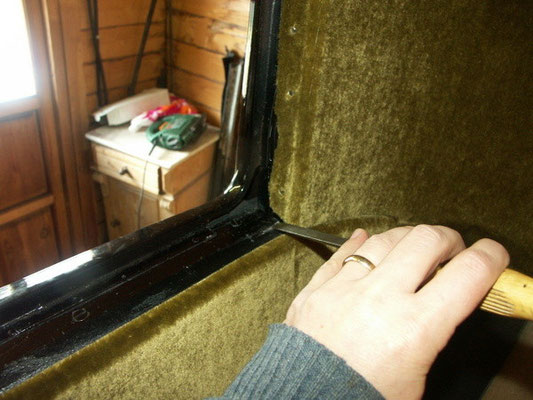 The frame would not fit any more, so we had to enlage the window opening (on both sides)
