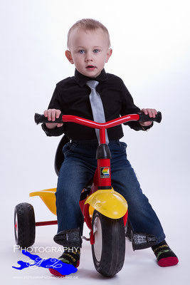 Kinderfotografie, kinderfotos, Kinderfotograf in Bad Saulgau und ganze Bodenseekreis bietet Ihnen Babyfotografie, Schwangerschaft-Fotografie und vieles mehr! http://www.fotograf-vom-bodensee.de/fotostudio/babybauch/