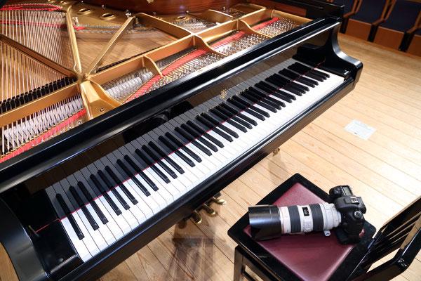 ピアノとカメラ