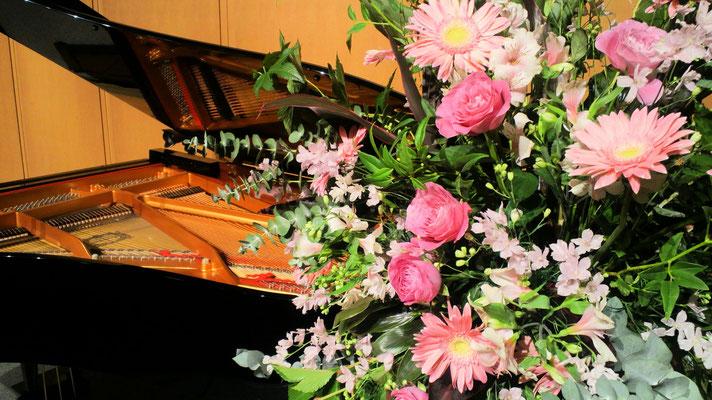 お花とピアノ