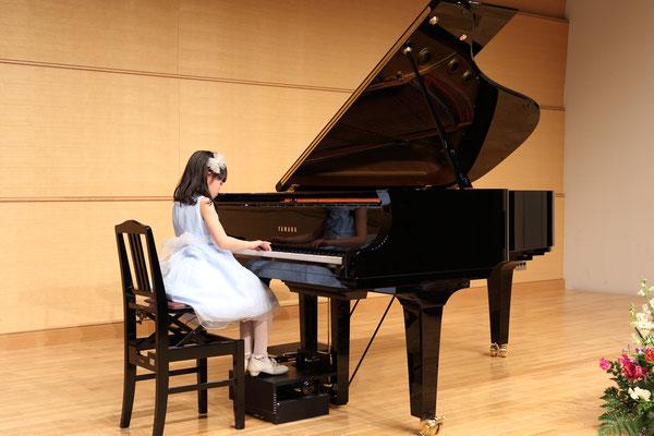 ピアノの足台がカワイイ