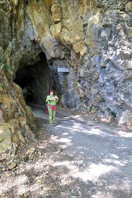 ...draußen aus der Höhle!