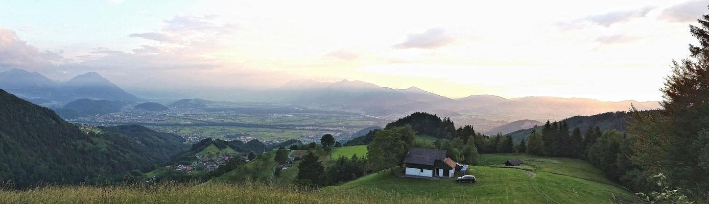 Blick auf Fraxern und das Rheintal