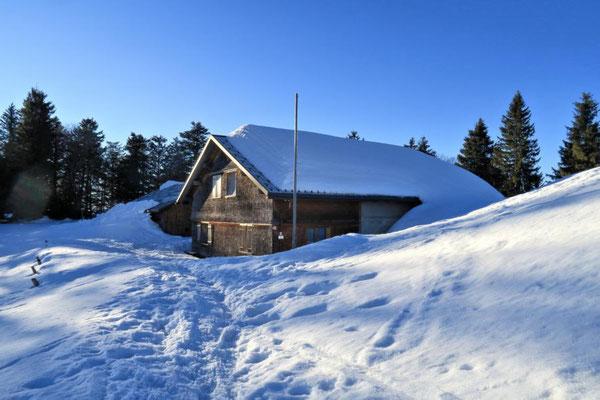 ganz schön viel Schnee am Dach