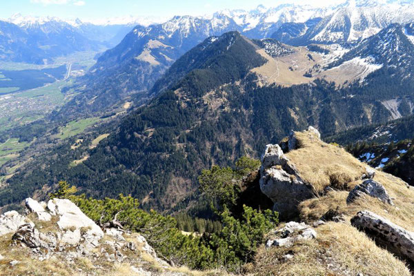 rechts hinten die Alpe Gamp