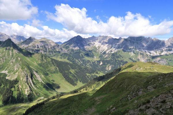 Blick zum Schweizer Tor