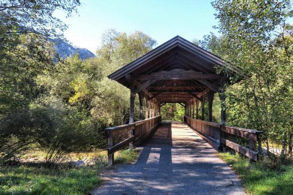 Brücken gibt's da viele