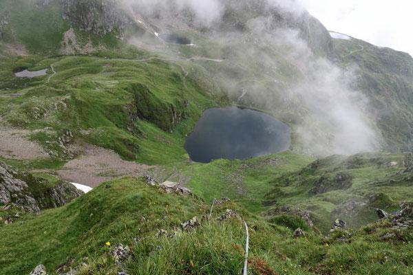 Tiefblick zum Schwarzsee