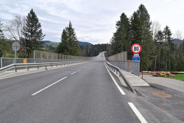 ...und die Lingenauer Brücke...